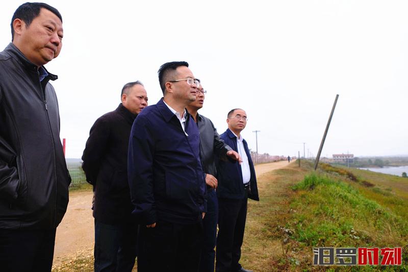 喻文督查湘江汨罗段流域环境综合治理